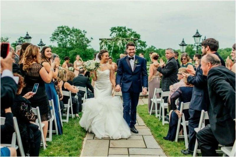 Hochzeit im Garten feiern hilfreiche Tipps Organisation