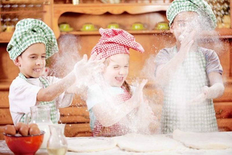 Backen mit Kindern Kuchen zubereiten