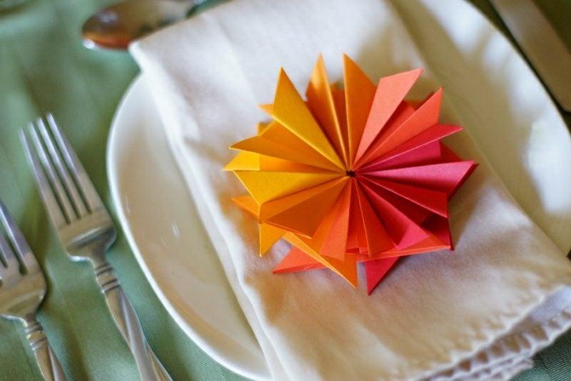 Bastelideen für Erwachsene Sommer Origami Blume falten