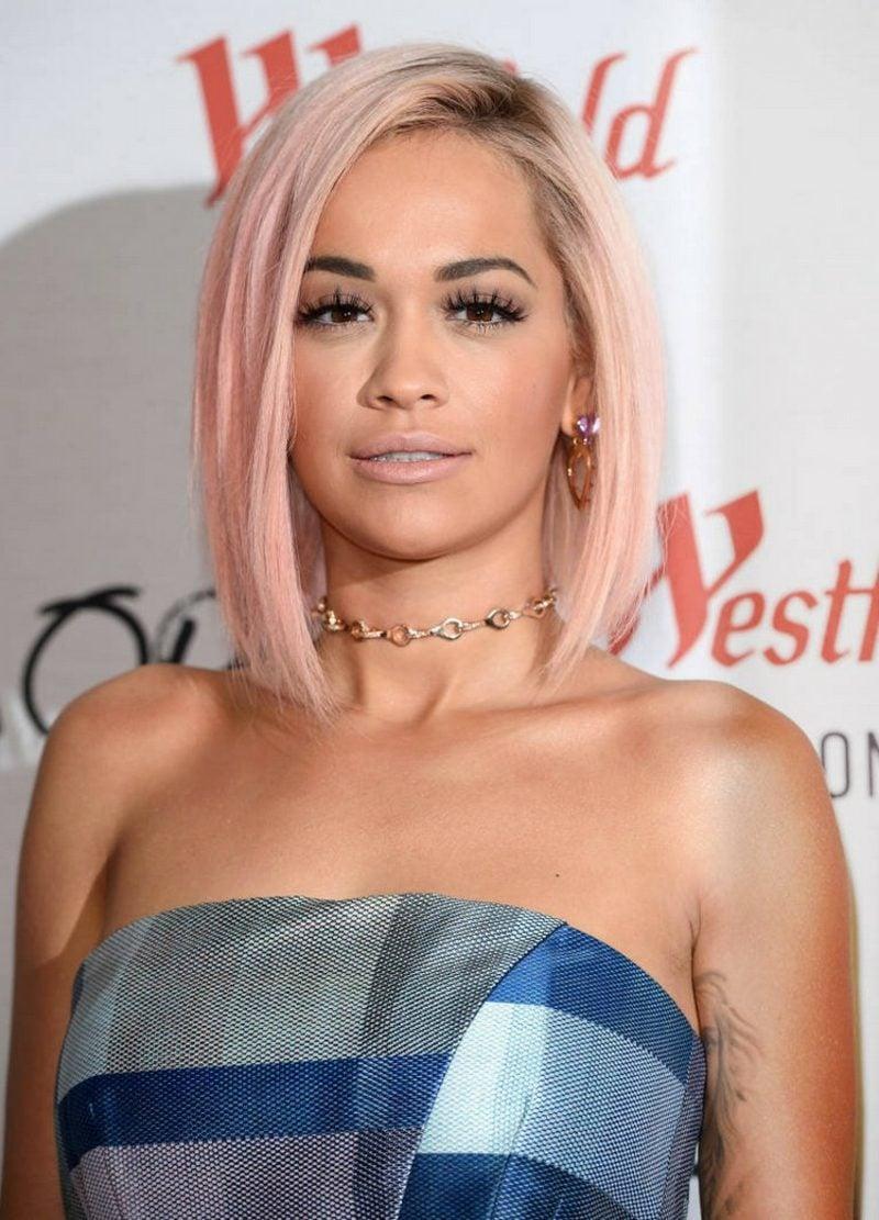 pastellrosa Haare färben Rita Ora