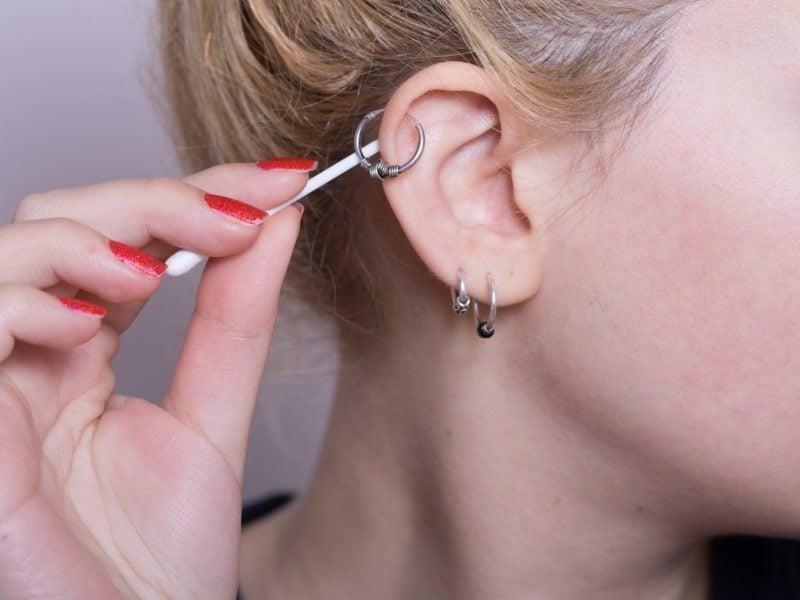 Helix Piercing Heilung und Pflege