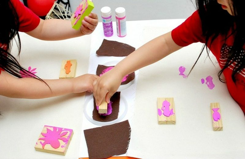 Stempeln mit Kindern kreativ unterhaltsam