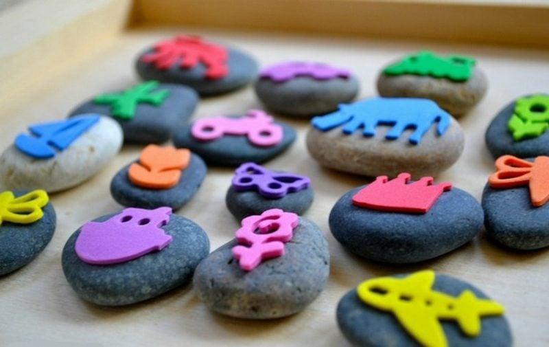 Stempeln mit Kindern DIY Stempel Moosgummi Steine
