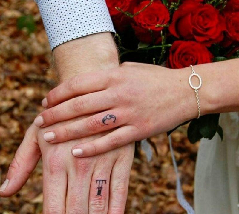 Ehering Tattoo Motive Buchstaben