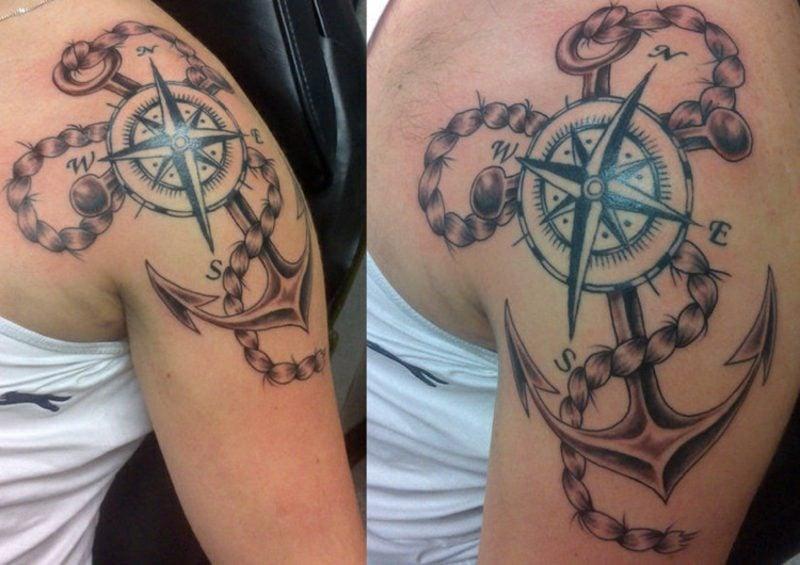 Kompass Tattoo mit Anker und Seil