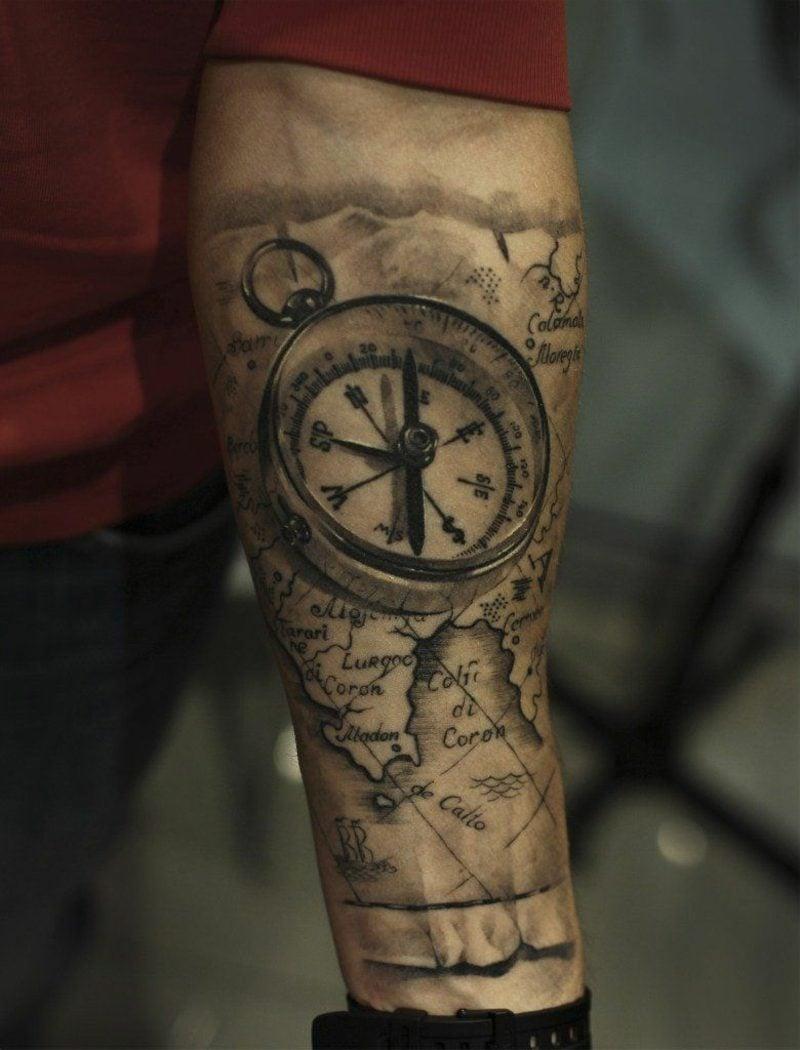 Kompass Tattoo mit Weltkarte 3D Effekt