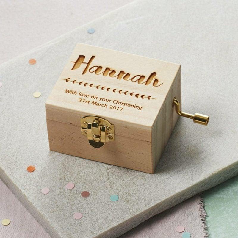 Geschenke zur Taufe Holzbox personalisiert