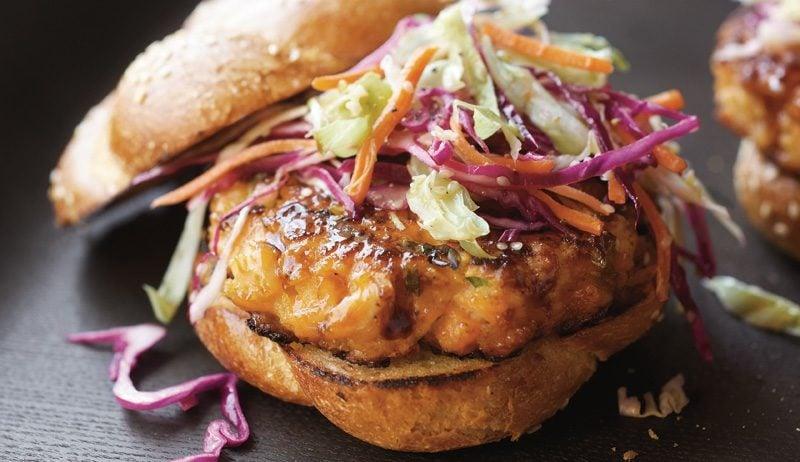 Burger selber machen asiatischer Burger mit Lachs
