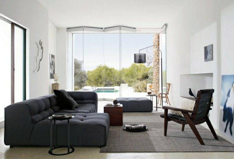 Wohnzimmer gestalten grau weiβ bequeme Polstermöbel