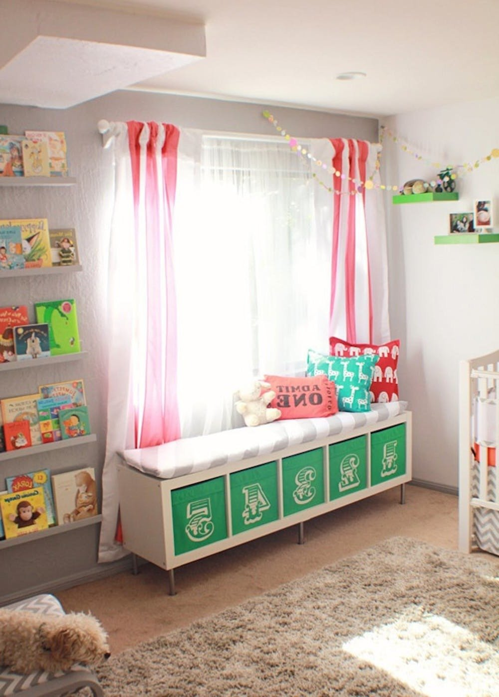 DIY Fenster Couch aus Ikea Schränke - Ikea Besta Regal oder Bücherregal
