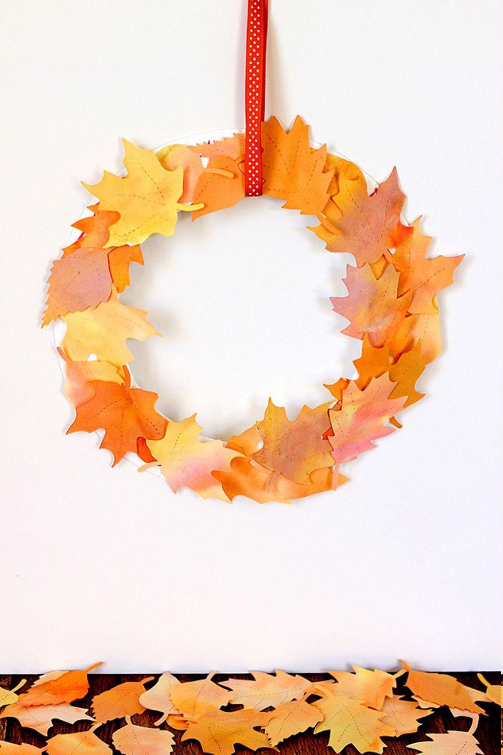 Basteln mit Kindern Herbst: Herbst Kranz mit Laub