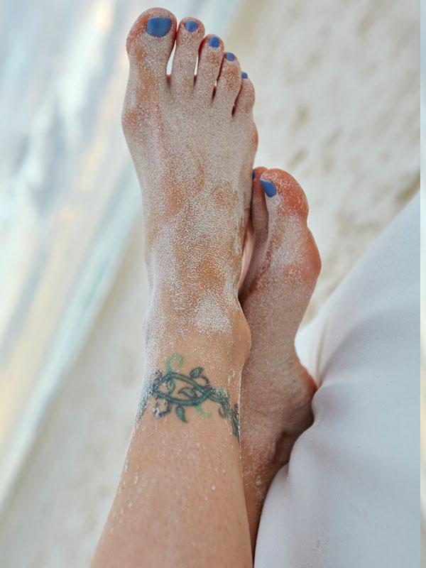 101+ wunderschöne Ideen fürs Fußkettchen Tattoo