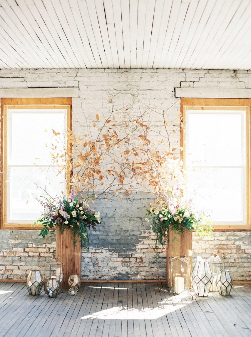 Ein wunderschöner Altar im Vintage Look, vor dem Sie und der Mann Ihres Herzens ewige Liebe und Treue geloben
