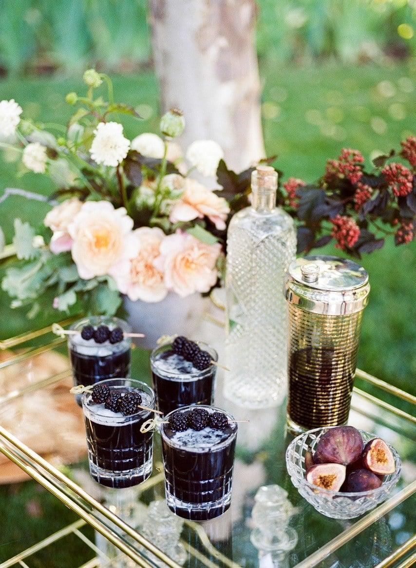 Vintage Hochzeitsdeko mit Getränken