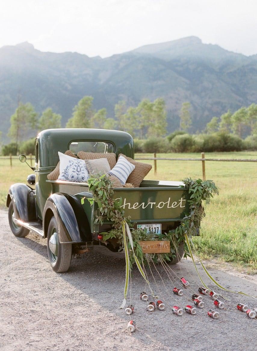 Zu guter Letzt: Ein ausgefallenes Fluchtauto im Vintage Look, mit dem Sie nach Ihrer hellen Zukunft fahren können