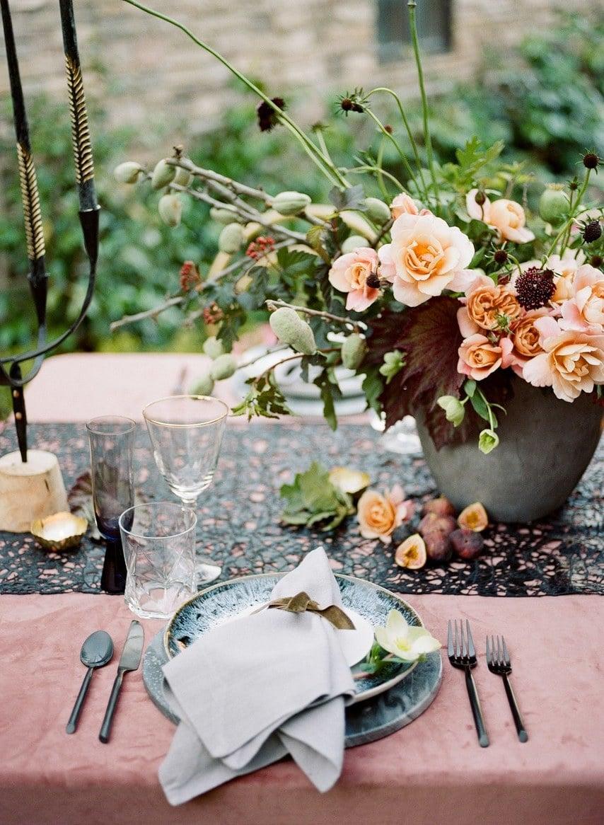 Vintage Tischdeko Hochzeit: Schaffen Sie ein magisches Ambiente auf den Tisch