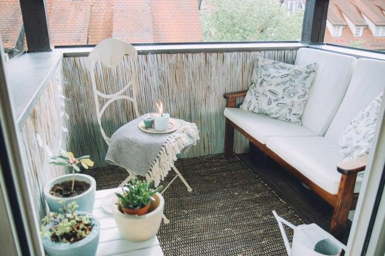 Balkon gestalten klein praktische Ideen
