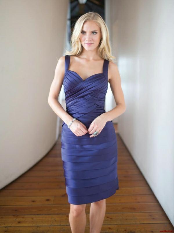 Kleider für Hochzeitsgäste Tiefblau super elegant