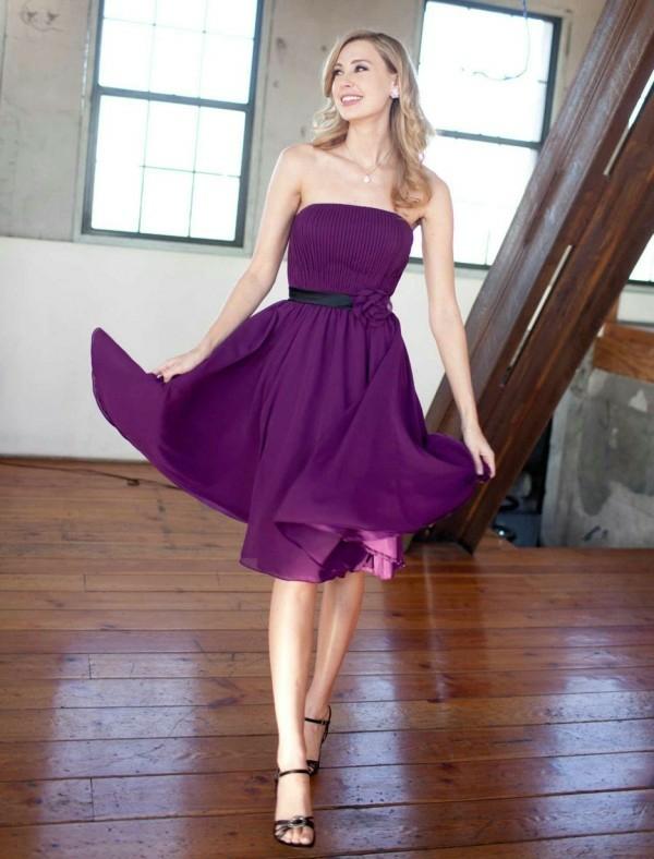 Kleider für Hochzeitsgäste Dunkellila ohne Träger