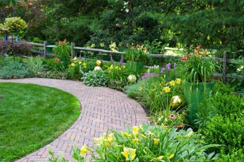 Gartengestaltung modern faszinierende Blumenbeeten gestalten