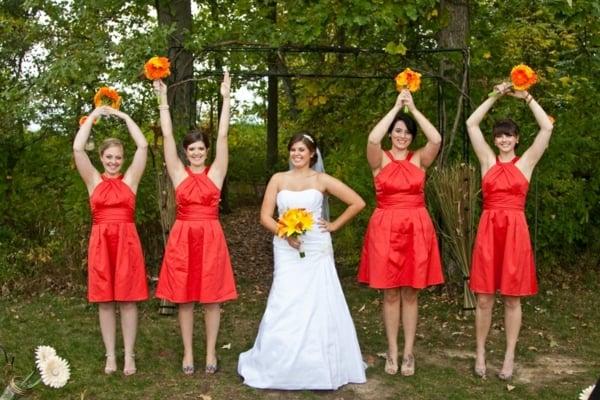 Kleider für Hochzeitsgäste Brautjungfern Coctail-Kleider in Rot
