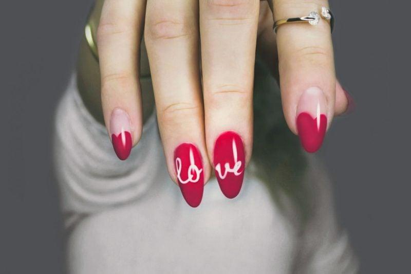 Acryl Nägel in Rot herrliches Design