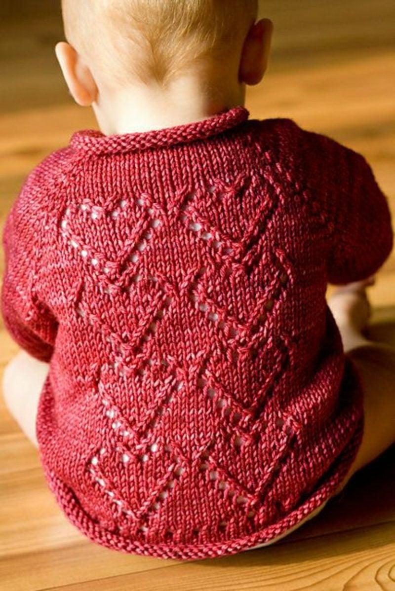 Baby Pullover stricken Herzenmuster rot
