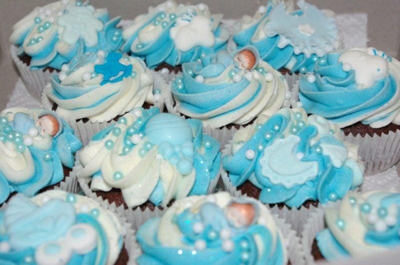 Babyparty Deko Cupcakes verzieren