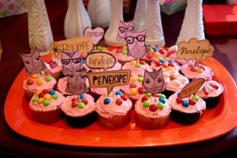 Babyparty Deko Cupcakes mit rosa Glasur