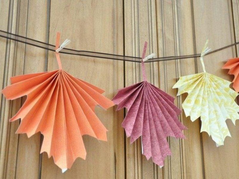 Herbstbasteln mit Kindern Blätter falten aus Papier