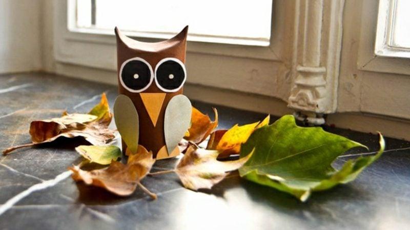 Herbstbasteln mit Kindern kreativ DIY Eule