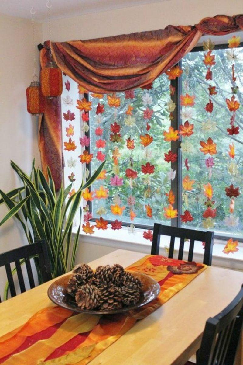 Herbstbasteln mit Kindern Blättervorhang