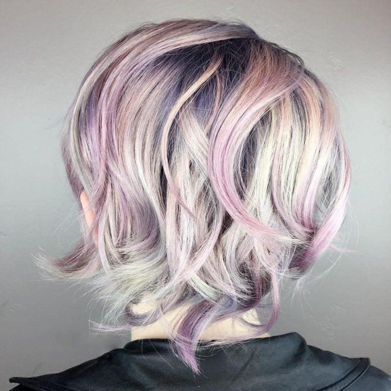 kurzer Bob Multicolor Haare