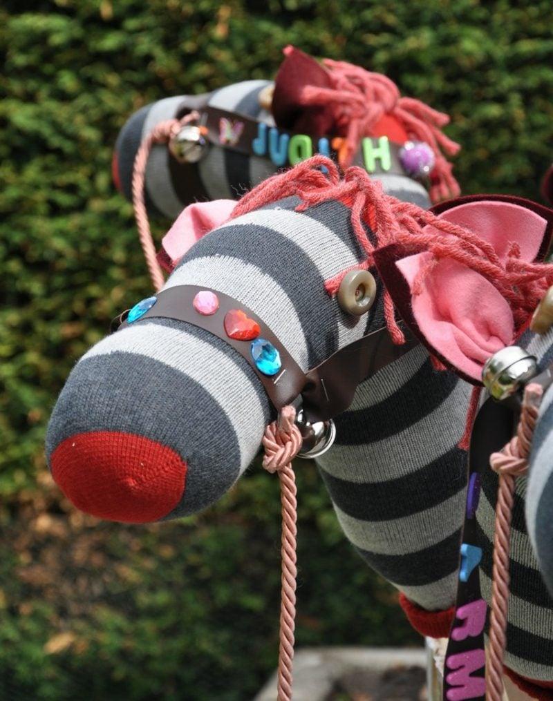 Steckenpferd basteln und dekorieren Socke