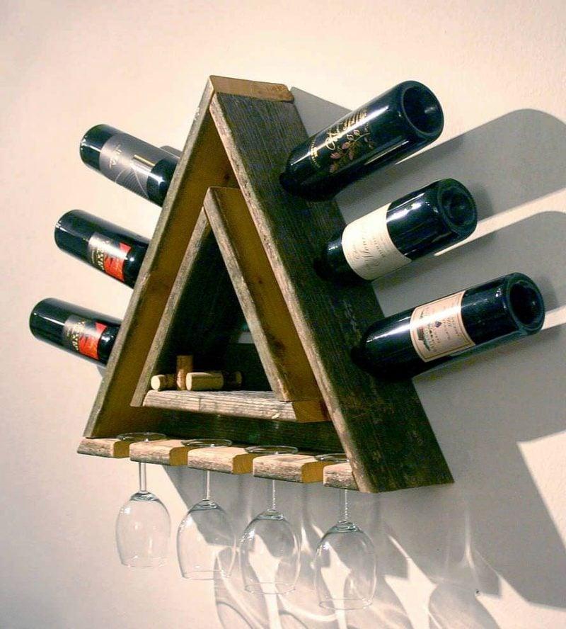 Weinregal selber bauen aus Holz Dreieck originell