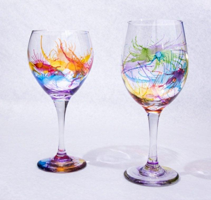 Gläser dekorieren kunstvoll abstrakte Muster