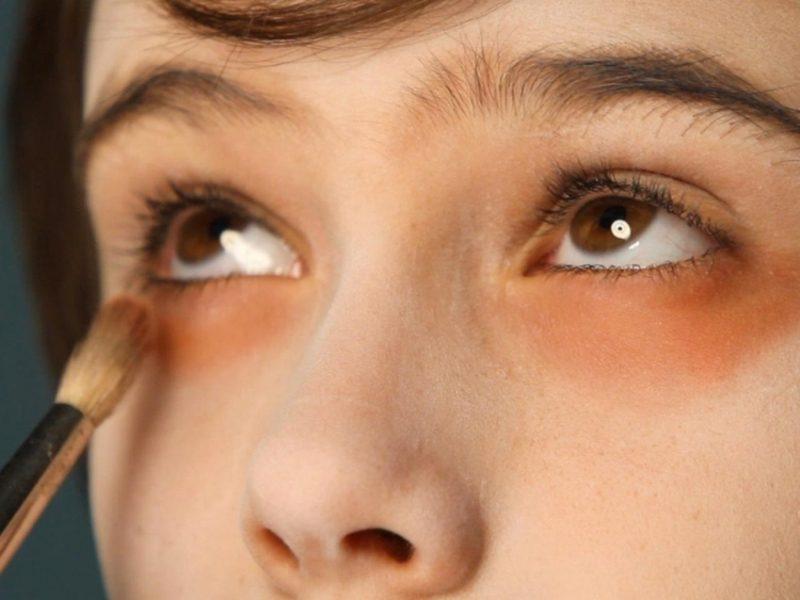 Halloween Make up einfach Vampir Kind Augenringe