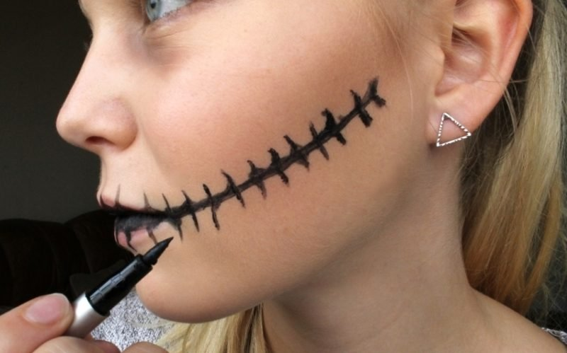 Halloween Make up einfach Mund genäht Eyeliner