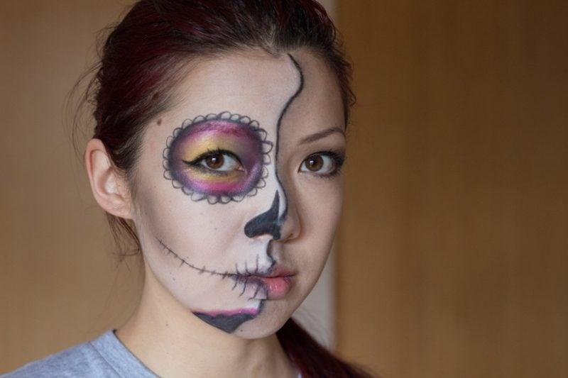 Halloween Make up einfach die Hälfte des Gesichts schminken La Catrina