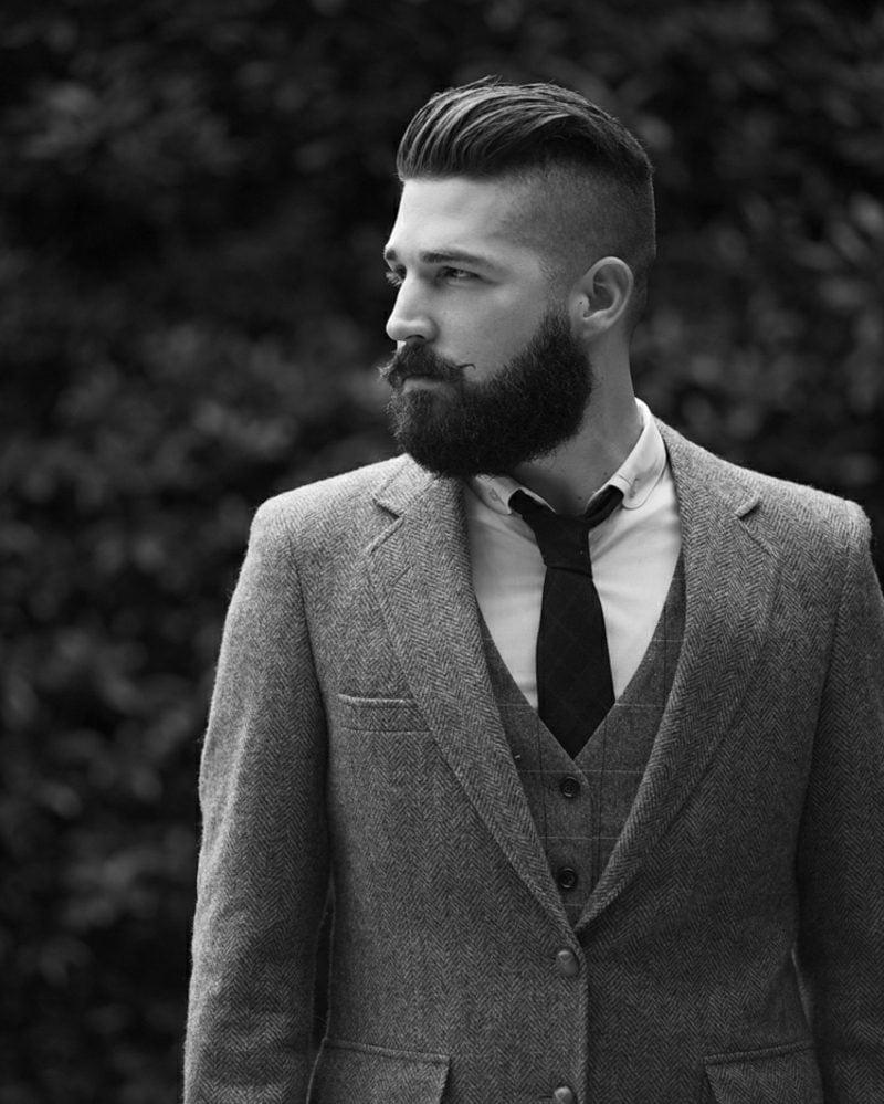 Bartfrisuren Hipster Bart mit Moustache Undercut