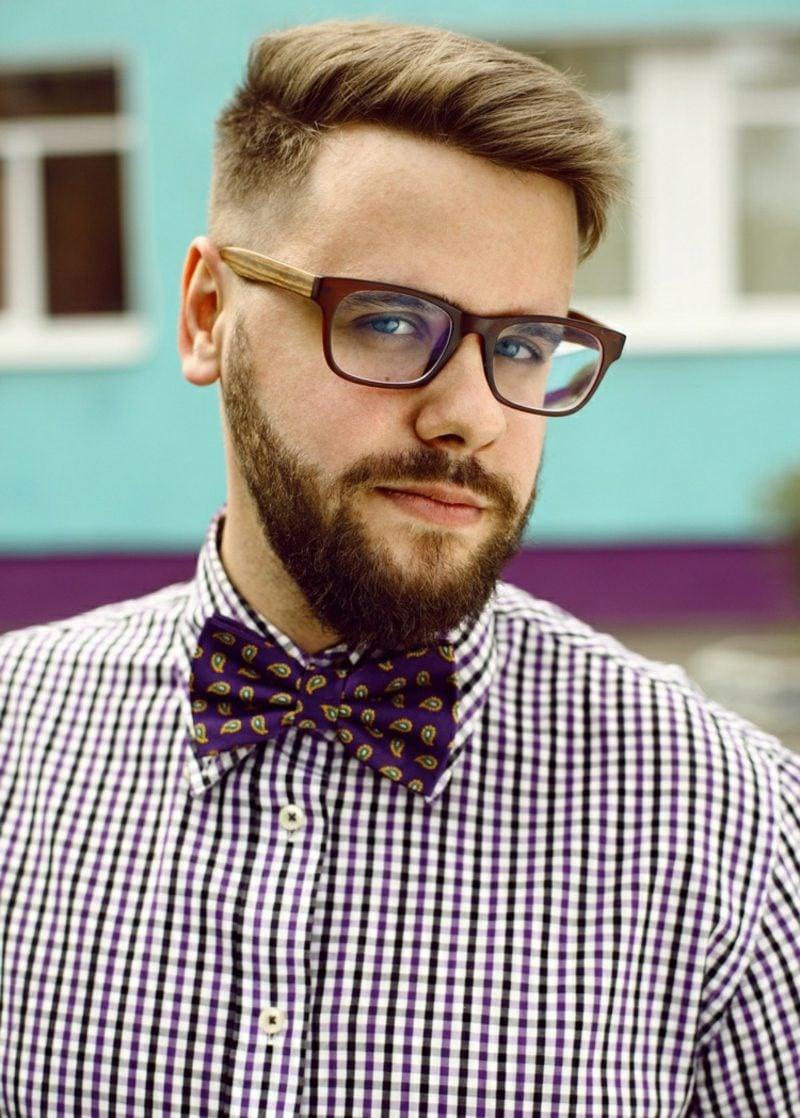 Bartfrisuren Hipster Bart kurz blond Brillen