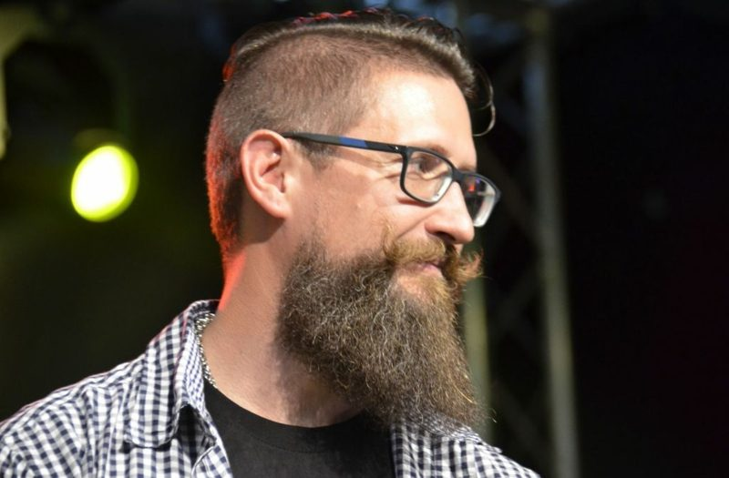 Bartfrisuren langer Hipster Bart Kurzhaarfrisur