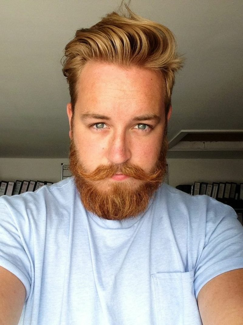 Bartfrisuren Hipster Bart Moustache blond blaue Augen