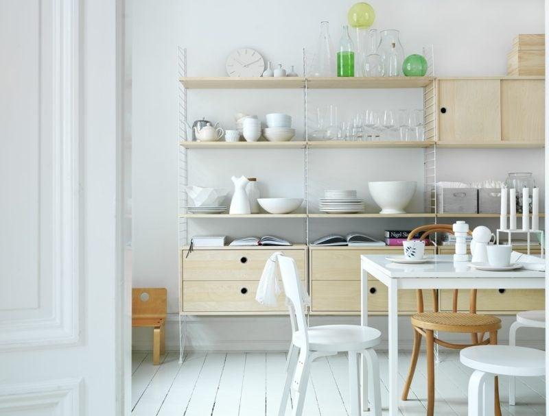 Küchenregale Wand Holz praktisch