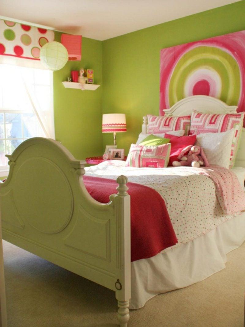 Kinderzimmer streichen Grün rosa Akzente
