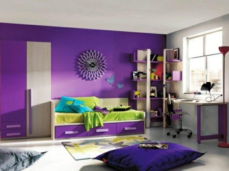 Kinderzimmer streichen Violett Akzentwand