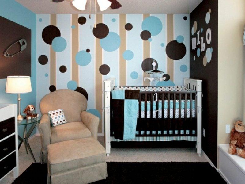 Kinderzimmer streichen Akzentwand Punktenmuster