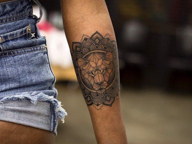 Tattoo Löwe Symbolik Und Attraktive Designs Für Beide Geschlechter