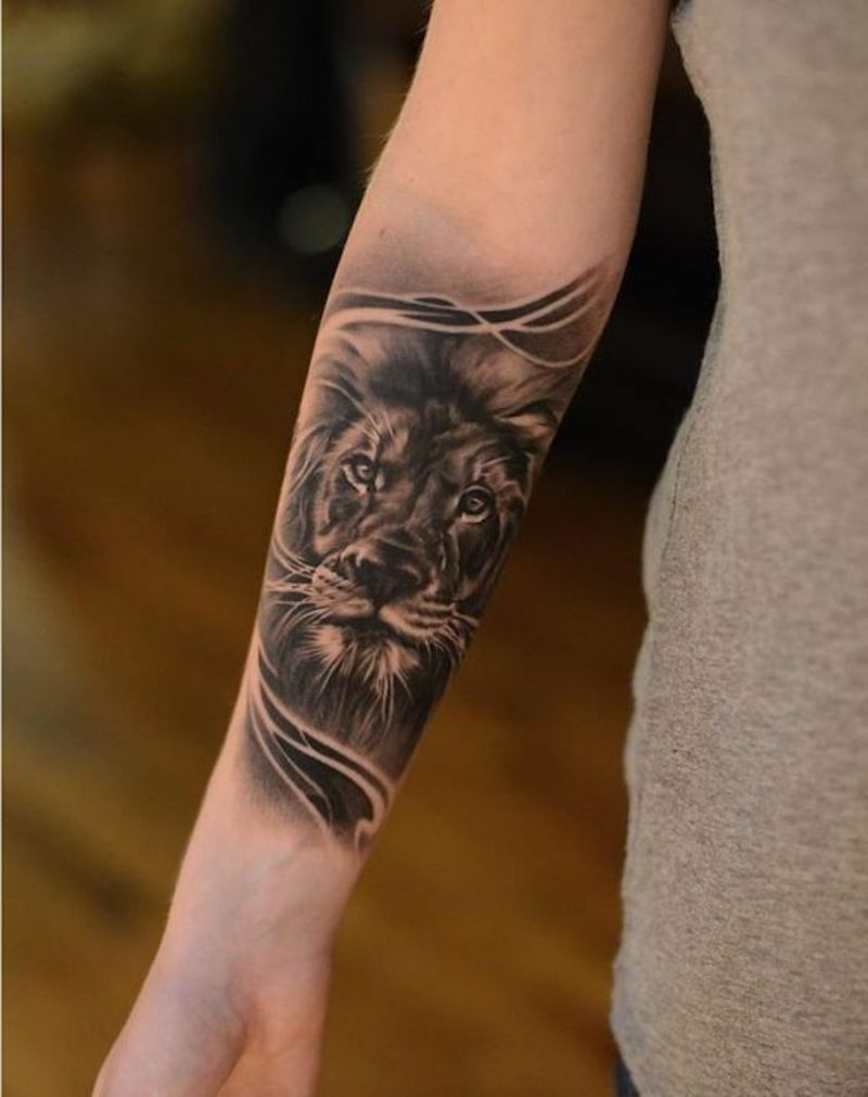 Tattoo Löwe Unterarm