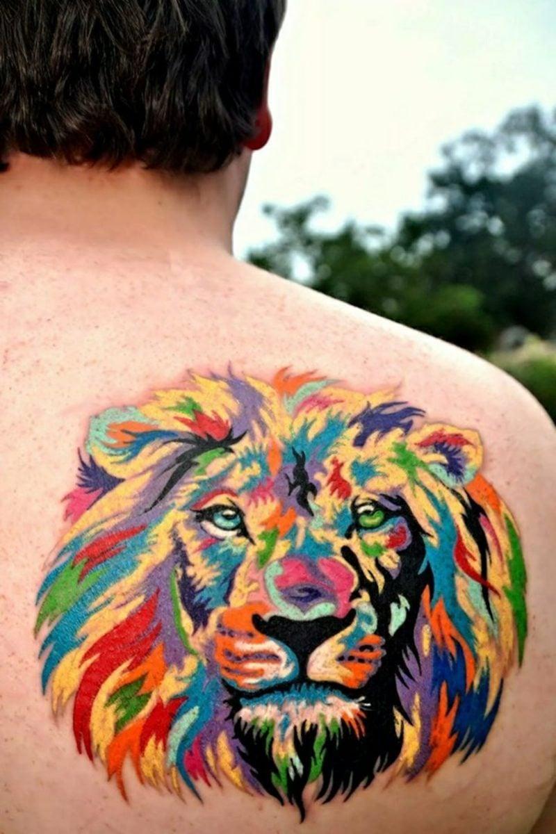 Tattoo Löwe Wasserfarben Mann